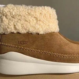 16547d40f91 UGG Australia Montrose Short Zip Wedge Boots NWT